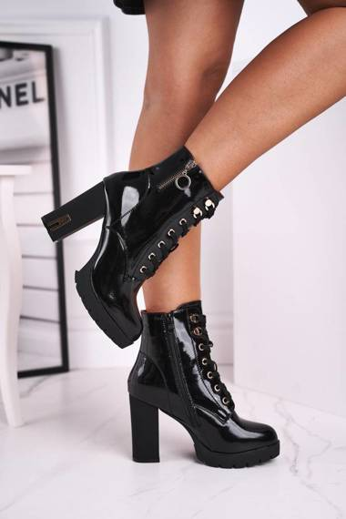 Women's Boots On High Heel Black Lacquered Kahina