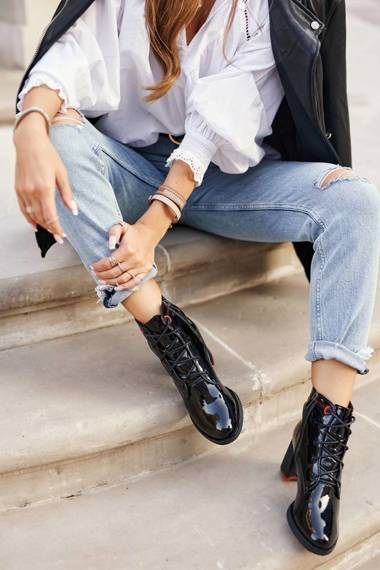 Women's Boots On High Heel Lacquered Black Do It Better