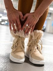 Beige Warm Ankle Boots with a fur